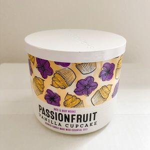 BBW passionfruit vanilla cupcake 3 wick candle